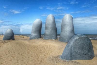 La main de Punta del Este